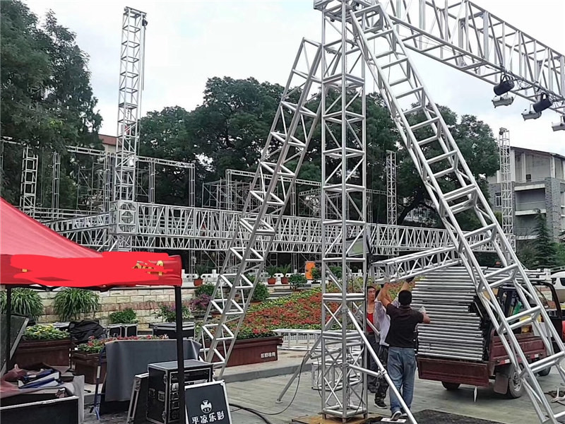 aluminum lighting truss