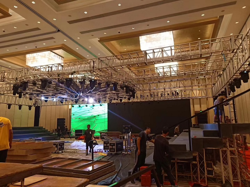 Lighting rig truss manufacturer