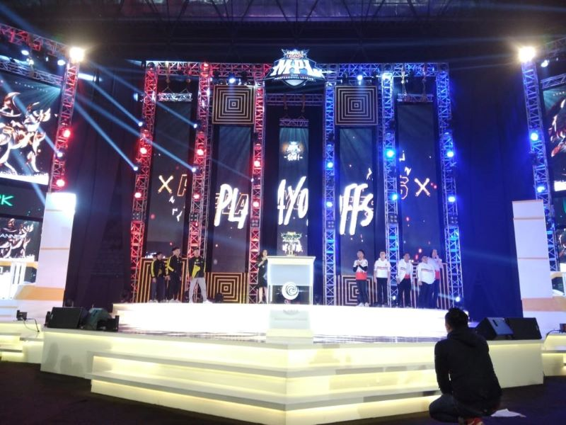 Indoor Stage Truss Background for Concerts in Myanmar